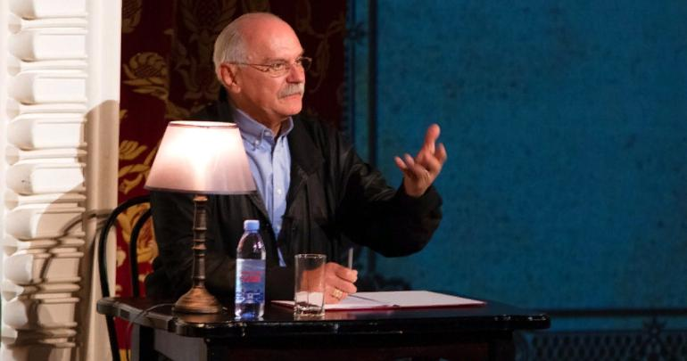 Nikita Mikhalkov film and theatre company to show their new play 'Metamporphoses 3: Enemies' in Penza